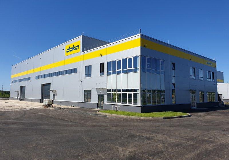 Das neue Gebäude ist auf eine Kapazität von rund 65.000 m² Schalungen ausgelegt. Foto: Doka