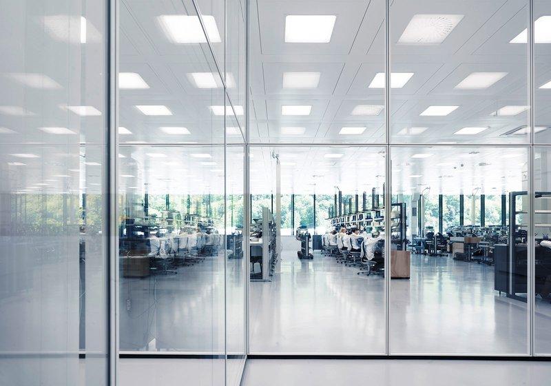 Im Showroom erleben BesucherInnen die IWC Welt hautnah. Foto: IWC Schaffhausen