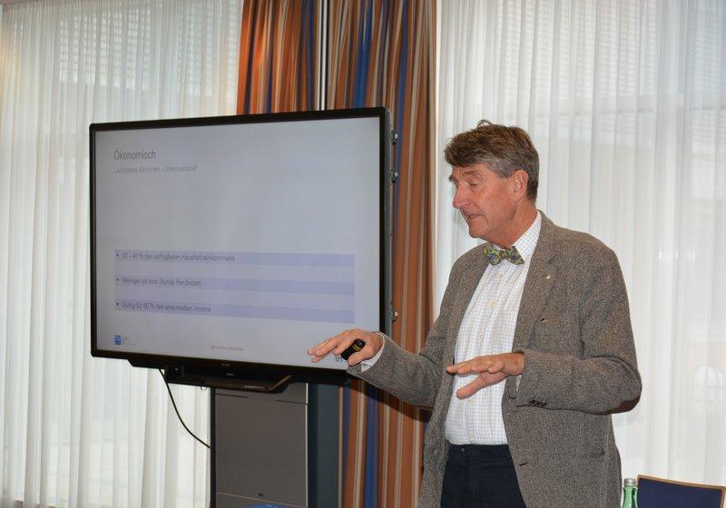 Кристоф М. Ахаммер на ежегодном форуме по жилищному строительству. Фото: imh