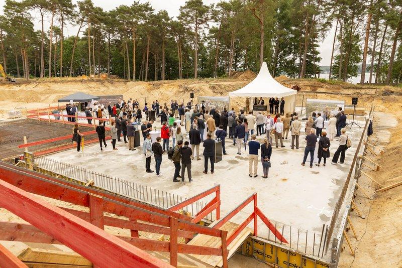 Feierliche Grundsteinlegung in Bad Saarow. Foto: Artprojekt
