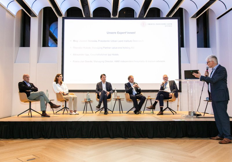 Podium discussion on more sustainable tourist infrastructure. Photo: Travel Industry Club Austria/Rastegar