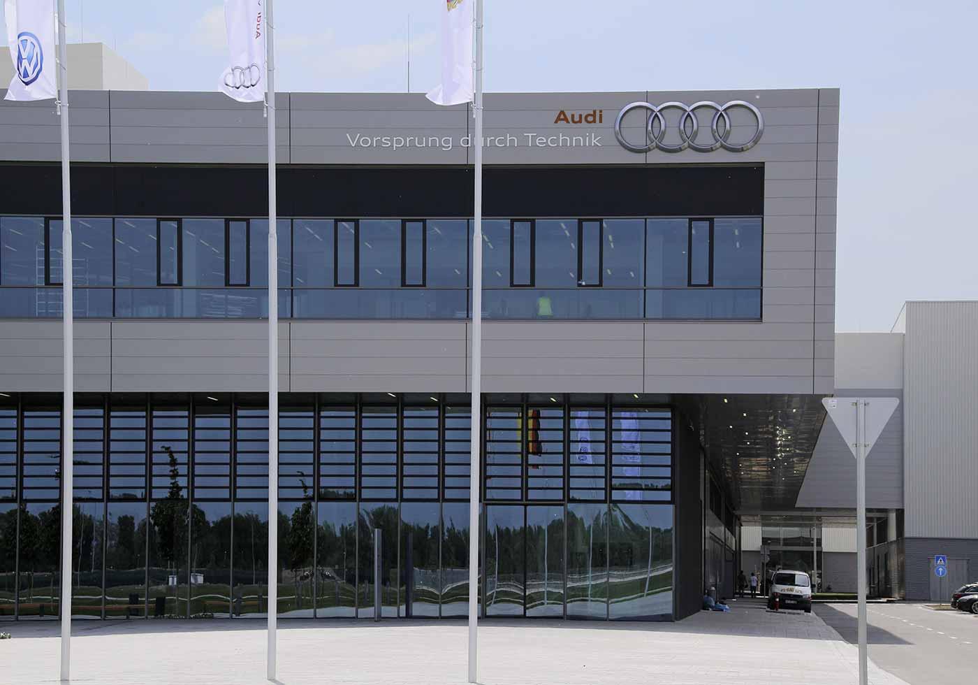 Audi G70 - Eröffnung bei Audi Hungaria
