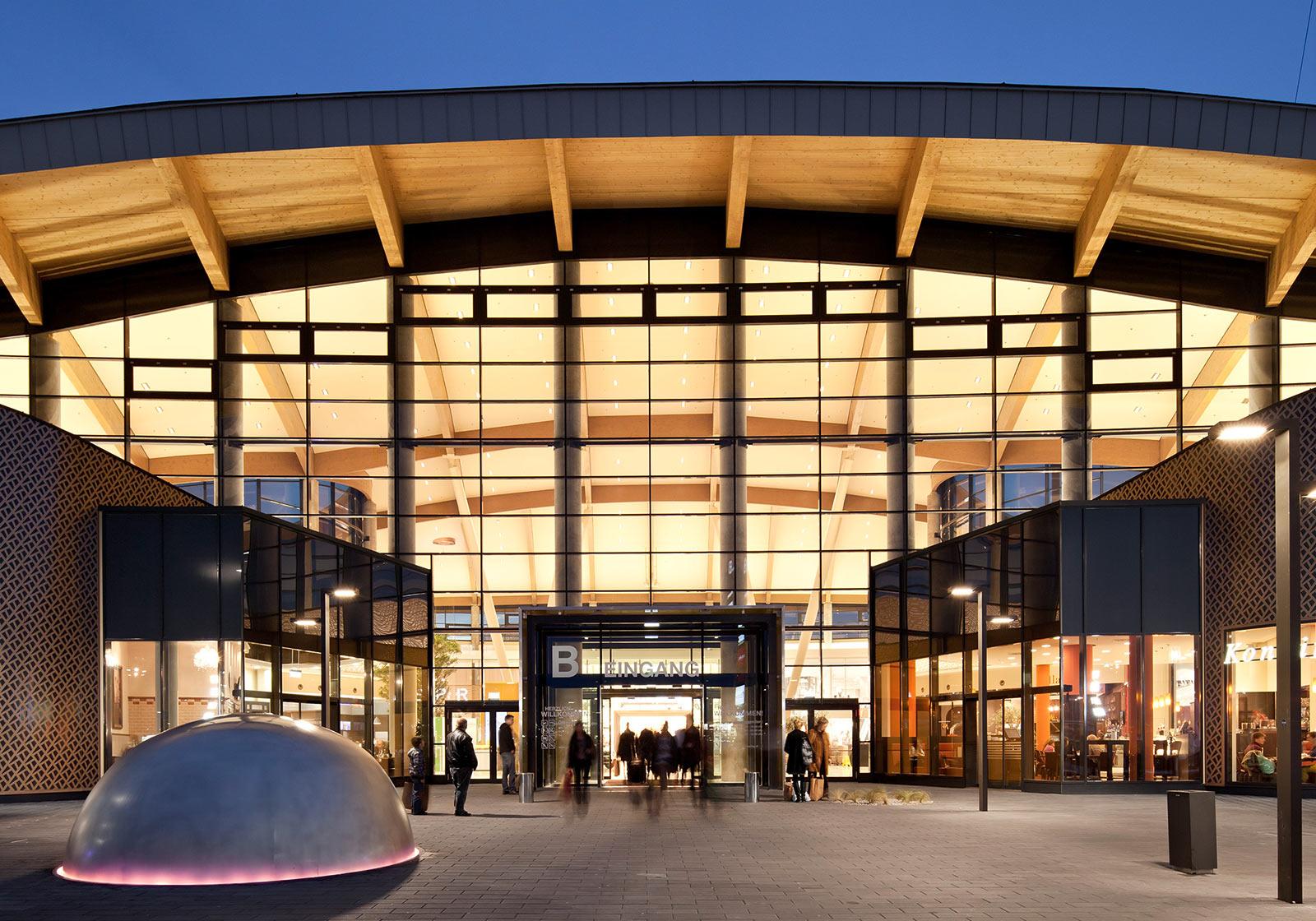 """G3 Shopping Resort Gerasdorf wurde während des Planungs- und Errichtungsprozeses von ATP sustain begleitet und 2013 mit einem BREEAM """"Very Good"""" ausgezeichnet. Foto: ATP/Kuball"""