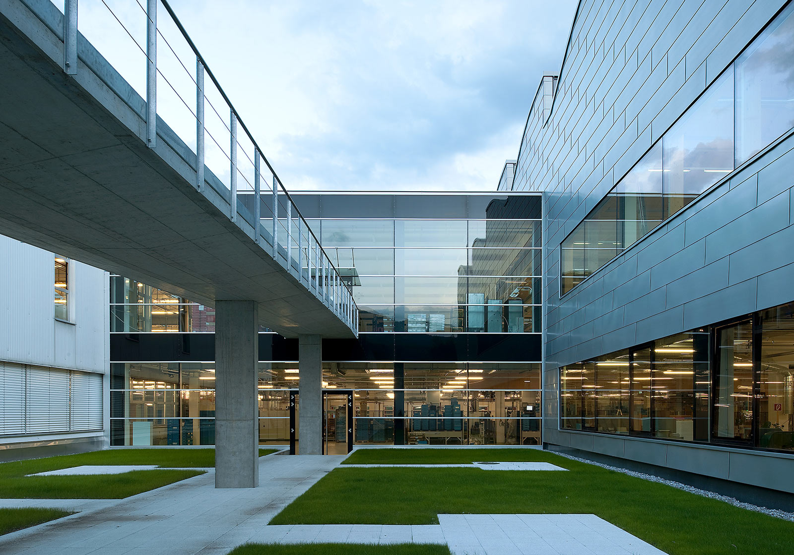 Hilti P4plus erhielt 2010 als erster Industriebau Österreichs eine ÖGNI Zertifizierung (Silber). Foto: ATP/Jantscher