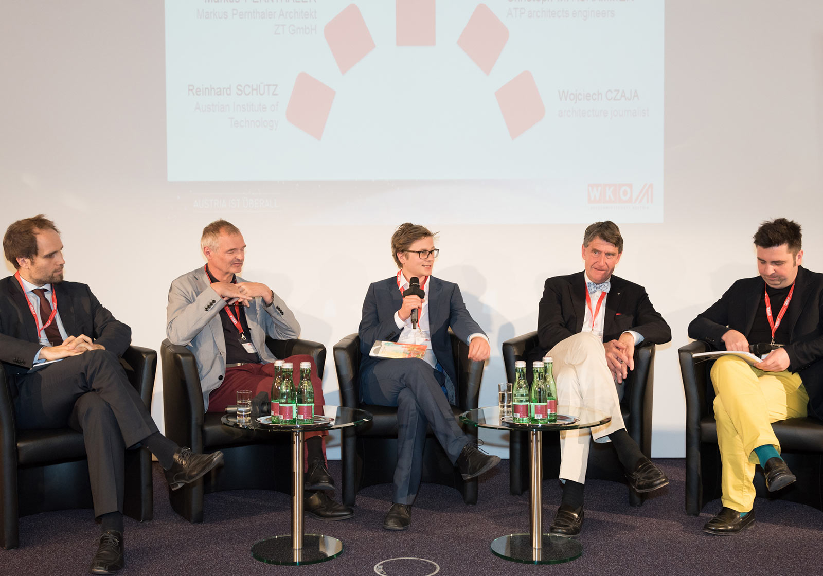 Reinhard Schütz, Markus Pernthaler, Daniel Glaser, Christoph M. Achammer (CEO ATP) und der Moderator Wojciech Czaja (Der Standard) bei der Podiumsdiskussion (v. l. n. r.). Foto: ATP