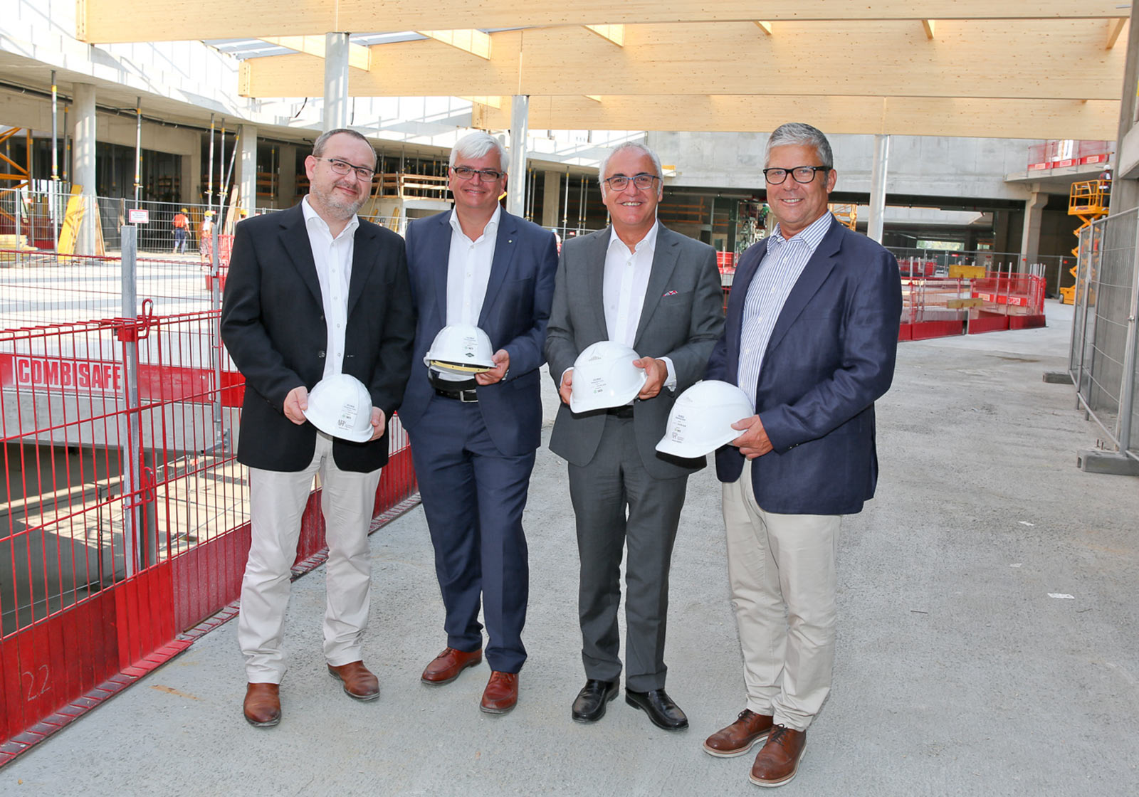 Architect Gerald Holy, ATP Lead Project Manager, Marcus Wild, Chairman of the Executive Board of SES, Hagop Hiesinger, SES Project Leader for HUMA and the engineer Harald Hanappi, ATP's Site Supervisor (from left to right) Photo: Katharina Schiffl