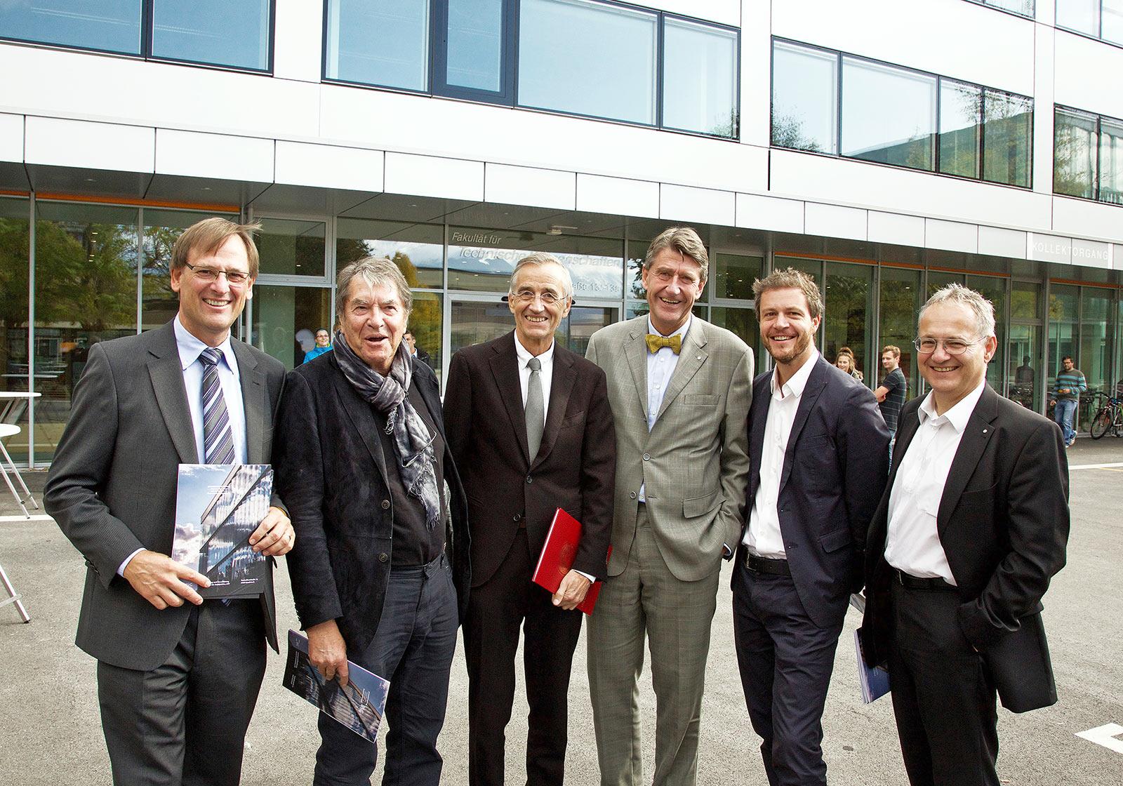 From left: Professor Dr. Arnold Tautschnig, Professor Dr. Arnold Klotz, Professor Dr. Dr. Tilmann D. Märk (Rector), Professor Christoph M. Achammer (CEO ATP), Architect Paul Ohnmacht (PLP, ATP), Architect Hans Kotek (GPL, ATP). Photo: ATP/Wett