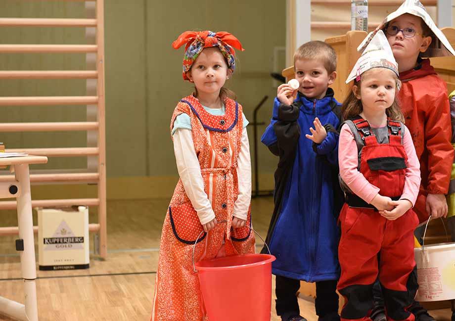 Die Kinder in Holzgau freuen sich über das neue Bildungszentrum. Foto: ATP