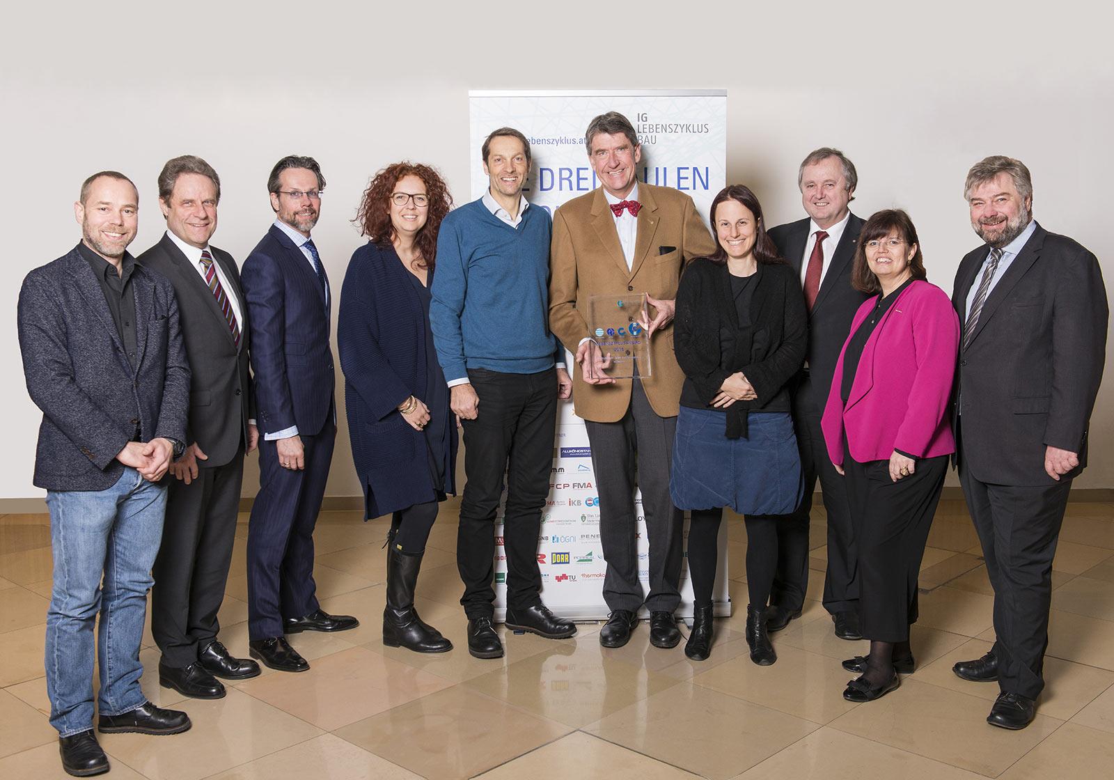 Bewerten erstmals Bauprojekte nach ihrer Organisations-, Kultur- und Prozessqualität – die Jurymitglieder des Lebenszyklus Awards Foto: IG Lebenszyklus Bau/Hagen