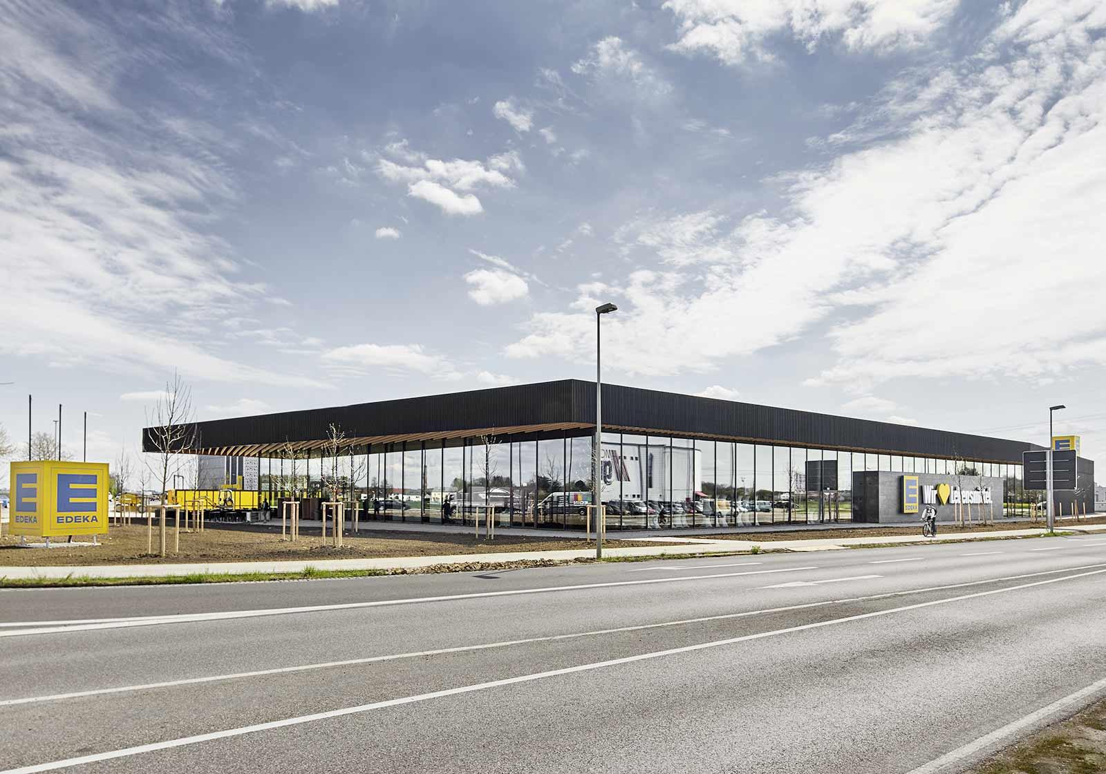 The new EDEKA Supermarket. Foto: Becker