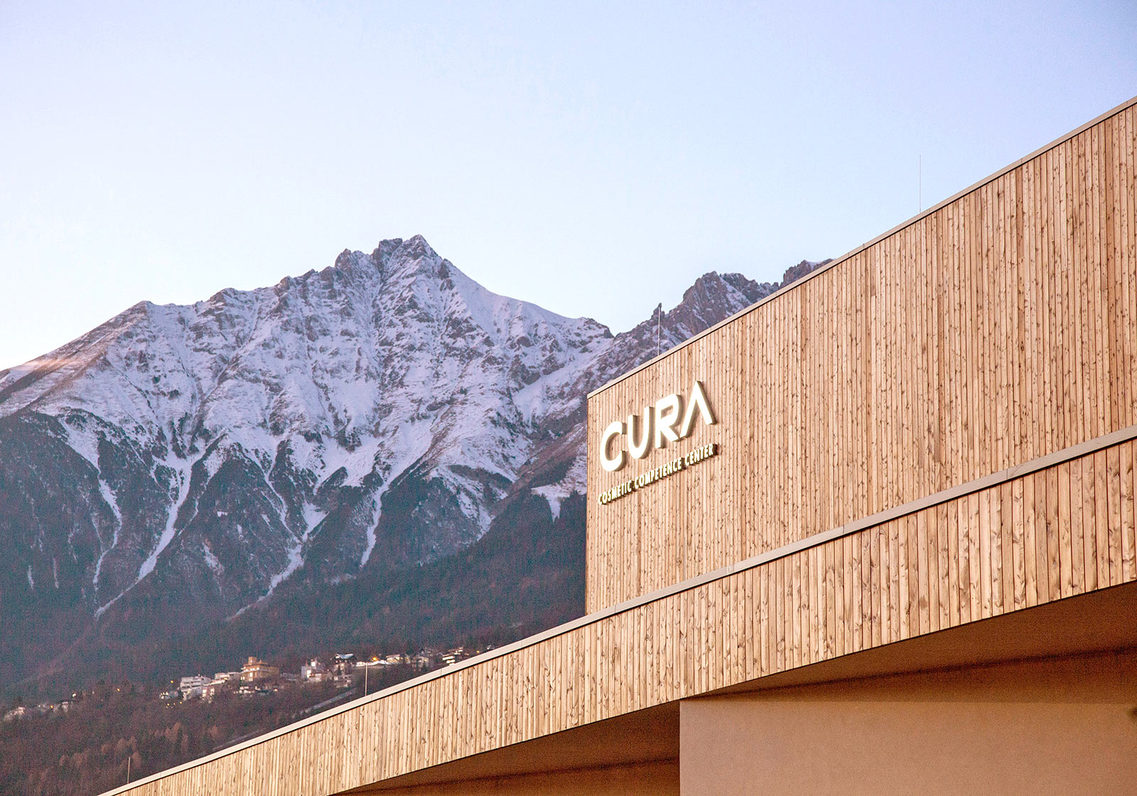 Good-looking logistic building: Cura Cosmetics. Photo: ATP/Possert