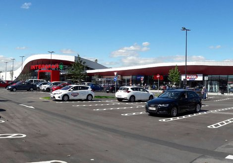The new shopping center includes the INTERSPAR hypermarket, a restaurant, and eight shop partners as well as an INTERSPAR catering college. Photo: ATP