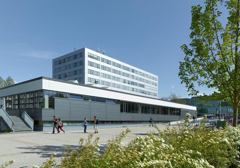 После реставрации у здания университета значительно уменьшился расход энергии. Фото: ATP / Jantscher