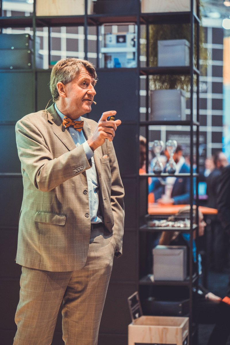 Professor Christoph M. Achammer speaks at Expo Real about digital design. Photo: REIN