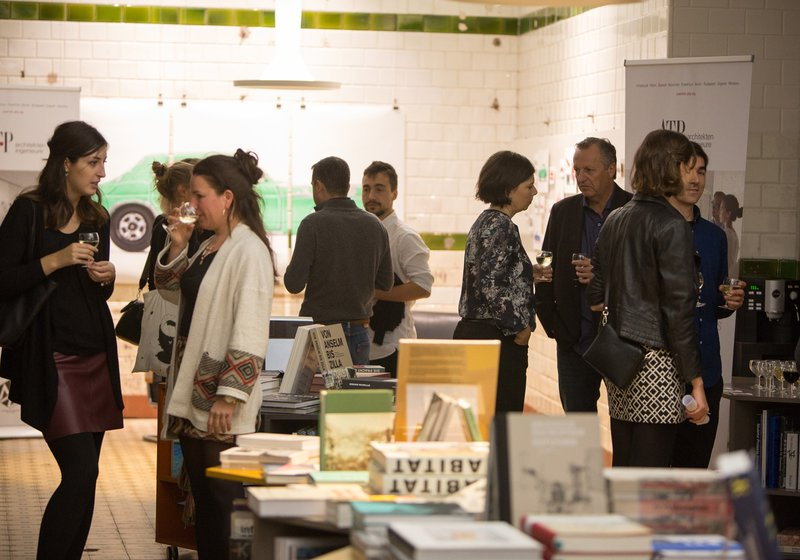 Sponsor Apero in der Never Stop Reading Buchhandlung. Foto: ATP
