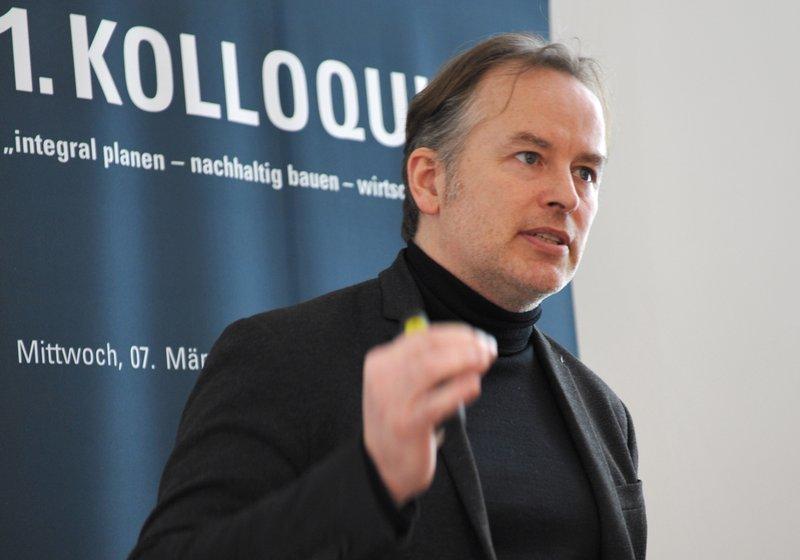 """Ульф Бамбах из """"АТП Франкфурт"""" рассказывает о философии компании. Фото: Роберт Доннербауэр"""
